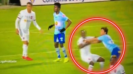 (VIDEO) La insólita falta de Schmidt en el segundo gol de Macará ante Liga de Quito