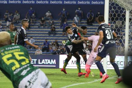 (VIDEO) El gol agónico de Alexis Zapata que hizo estallar al Capwell