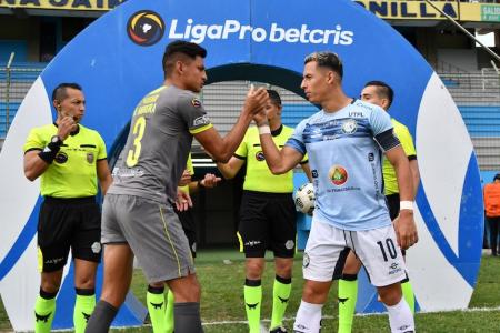 Manta y Guayaquil City no se sacan ventaja y continúan en peligro