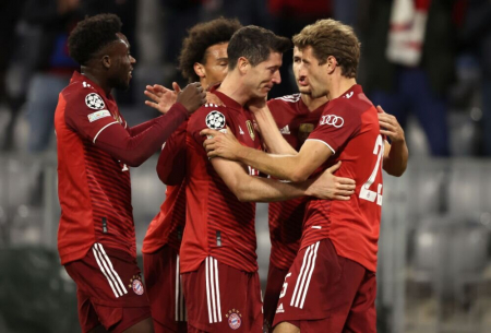 (VIDEO) Con doblete de Lewandowski, Bayern aplastó a Dinamo por Champions