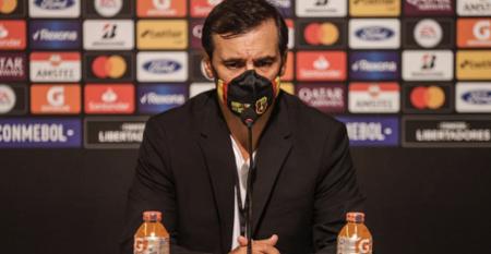 Bustos elogió a sus jugadores por competir contra el mejor equipo del continente