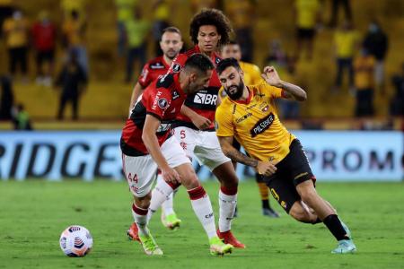 (VIDEO) La increíble atajada de Diego Alves que evitó el descuento de Barcelona