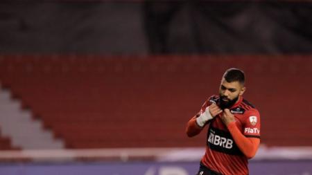 (FOTOS) La fotos de Gabigol entrenando en el Estadio Capwell