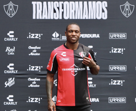 Aníbal Chalá ya fue presentado en su nuevo equipo