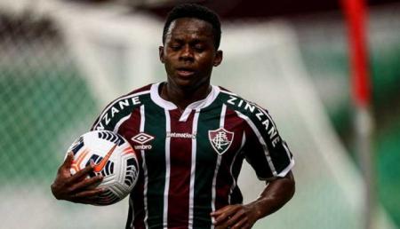 Fluminense desperdicia ventaja de dos goles con Juan Cazares en cancha