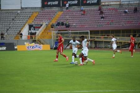 (VIDEO) Así fue el debut de Bryan Cabezas el el fútbol de Turquía