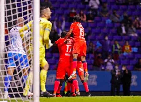 (VIDEO) Gol del 'Cuco' Angulo en la Liga MX