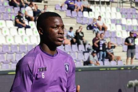 (VIDEO) Terrible jornada para Moisés Caicedo que fue titular con el Beerschot