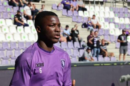 (VIDEO) Moisés Caicedo sumó minutos en el empate de Beerschot