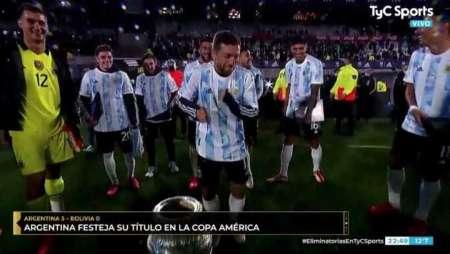 (VIDEO) El baile del Papu Gómez en el festejo argentino