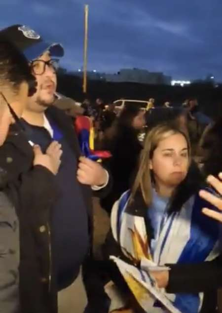 (VIDEO) INSÓLITO: En el Campeón del Siglo no se pudo entrar con banderas ecuatorianas