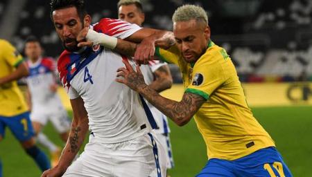 (PREVIA) Chile recibe en casa al invicto Brasil