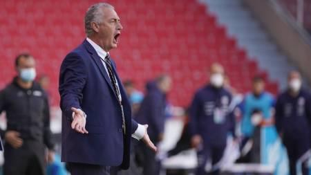 Gustavo Alfaro: Empate ante Chile, suplencia de Byron Castillo, Jhojan Julio y Uruguay
