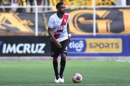 Marc Enoumba, el jugador nacido en Camerún que jugará para Bolivia por Eliminatorias