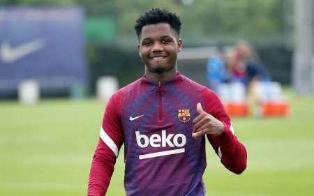 (VIDEO) El FC Barcelona presentó al jugador que llevará la 10 de Messi