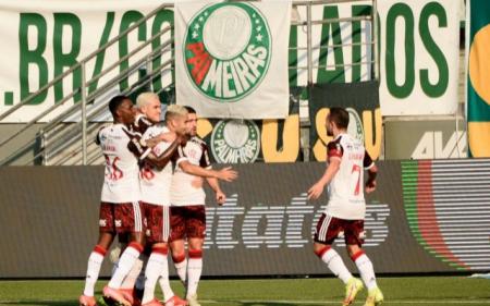 (VIDEO) Flamengo goleó a Palmeiras y pone al rojo vivo el Brasilerao