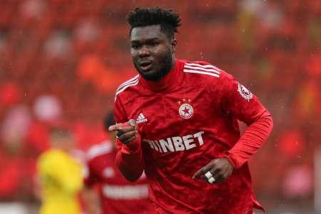(VIDEO) Jordy Caicedo anotó gol de tres puntos
