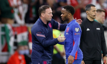 FIFA abrirá investigación tras insultos racistas contra futbolistas ingleses