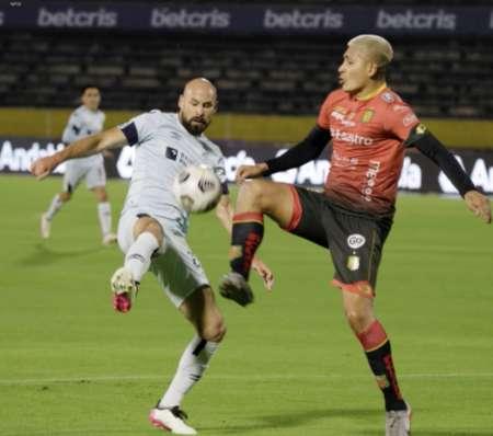 Universidad Católica venció a Deportivo Cuenca en un duelo lleno de goles