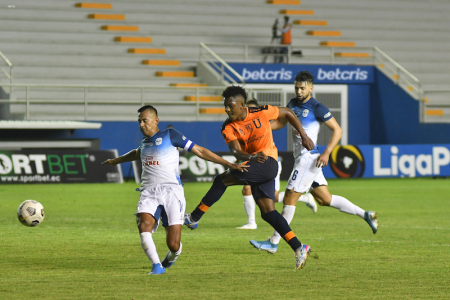 LLENO DE EMOCIÓN    Liga de Quito empató ante Manta y es el escolta de Independiente