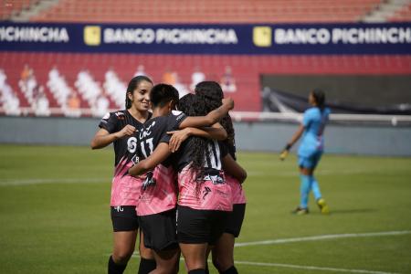 COE Nacional aprobó público en la final de Superliga Femenina