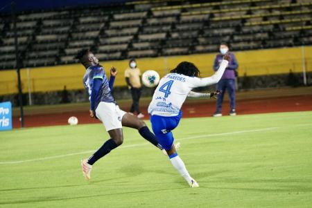 Cumbayá derrotó a Guayaquil Sport y está a un paso del ascenso
